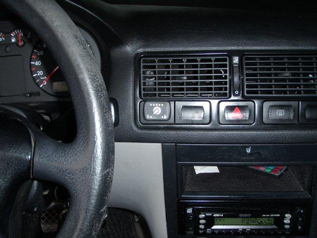 ΦΩΤΟΓΡΑΦΙΕΣ ΑΠΟ : Υγραεριοκίνηση Αυτοκινήτων 'Αφοί Γιώβη' - VW Golf 1.6